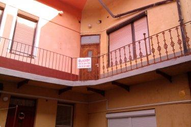 85 nm-es 3 szobás belvárosi lakás eladó Sátoraljaújhelyen