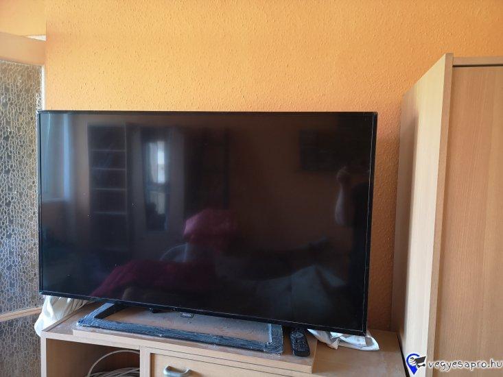Mukodo  130 cm-es keskeny TV kituno allapotban (Nem okos TV)